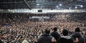 Medjugorje continua a crescere in Italia. Il 2 febbraio, più di 20.000 hanno partecipato apparizione pubblica veggente Mirjana Dragicevic-Soldo a Napoli. Altri aerei sarà il prossimo in linea