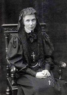 Ursula_Leduhovskaya_in_1907
