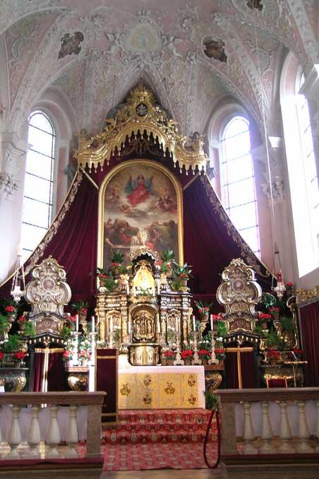 altare-santuario-luggau