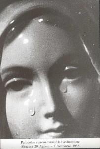 madonna delle lacrime1