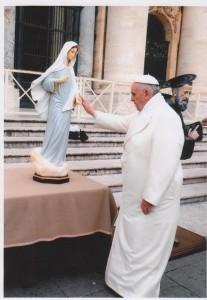 papa francesco e maria1
