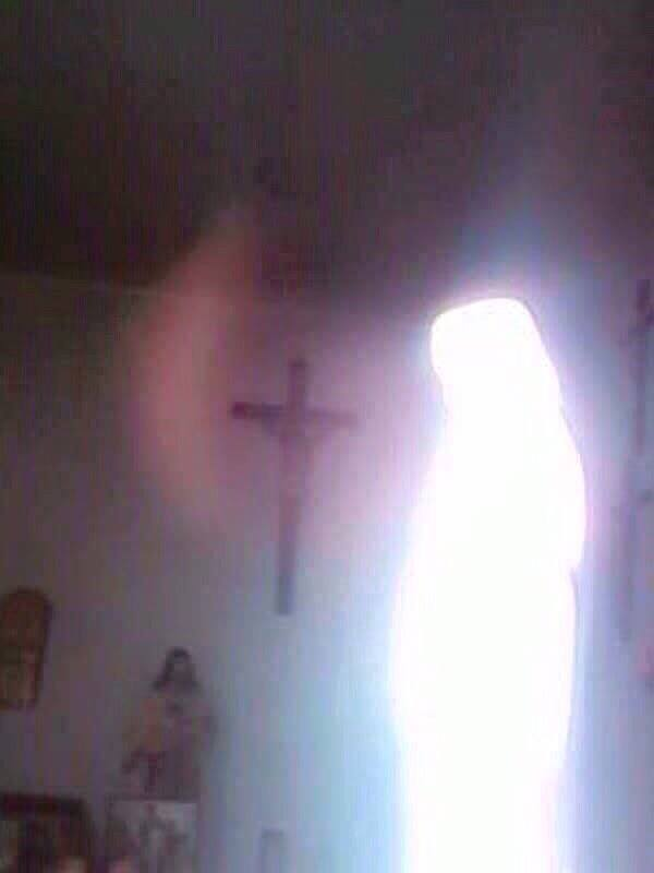 radio maria equador.chiesa della salute Santo bambino in Monterrey il giorno giovedì 12 febbraio, durante l'adorazione al Santissimo Sacramento.