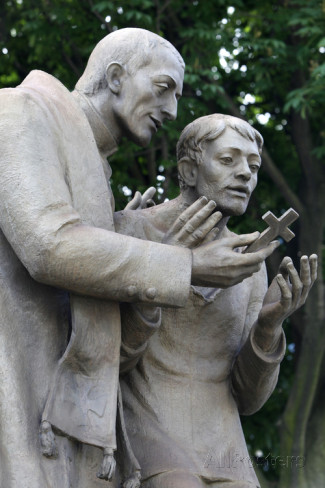statue-depicting-san-giuseppe-cafasso-1811-1860-who-comforted-68-executed-persons