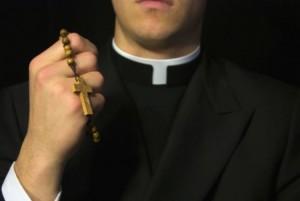 89020_sacerdote