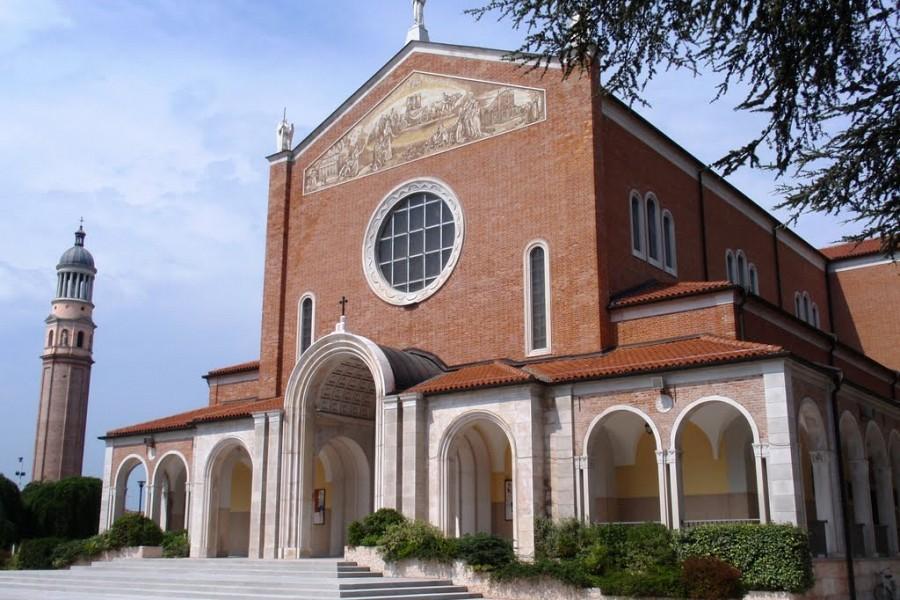 campanile e santuario Madonna di Rosa