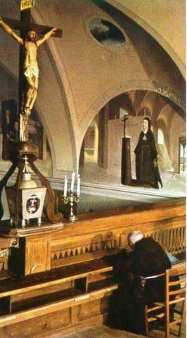 prega-cristo-in-croce