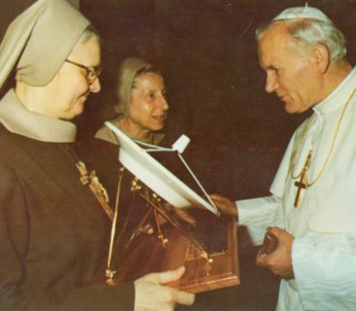 MADRE ANGELICA11