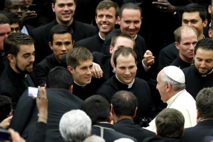 papa sacerdoti