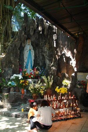 la-grotta-di-maria-a-mojosongo