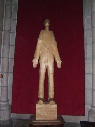 statue_de_marcel_callo_en_leglise_saint_aubin_de_rennes